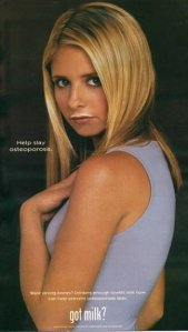 very-Buffy-fashion-Sarah-Michelle-Gellar-ad-called-people