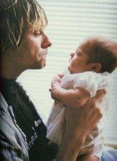 Kurt-Cobain-Frances-kurt-cobain-17770922-363-500
