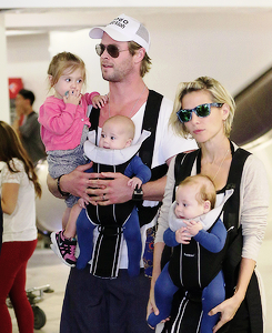 Chris-and-Elsa-with-their-kids-chris-hemsworth-37553757-245-300