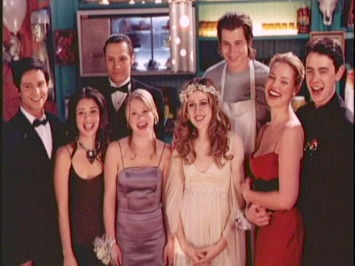 Roswell---PROM-Season-2-cast-roswell-42322_640_480