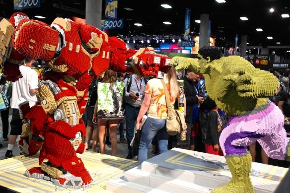 Ahhhhmazing Ironman vs Hulk Legos!