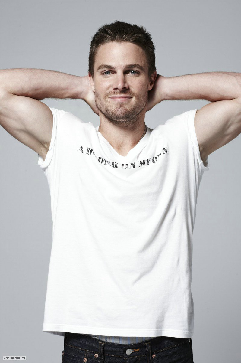 stephen amell height