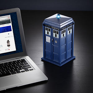 huln_doctor_who_bt_speakers_ondesk